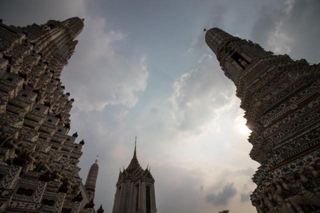 バンコク(タイ):ワット・アルン(暁の寺)